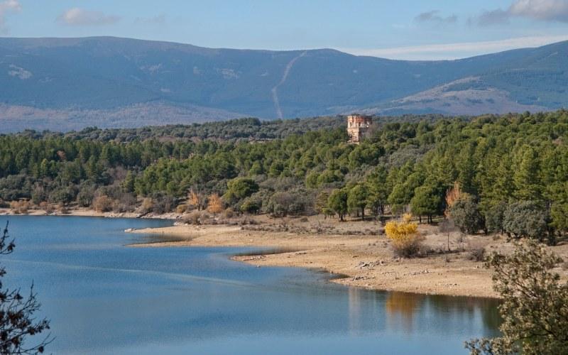 lac de Puentes Viejas près de Buitrago