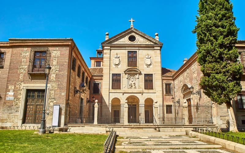 Façade du monastère de l'Incarnation à Madrid