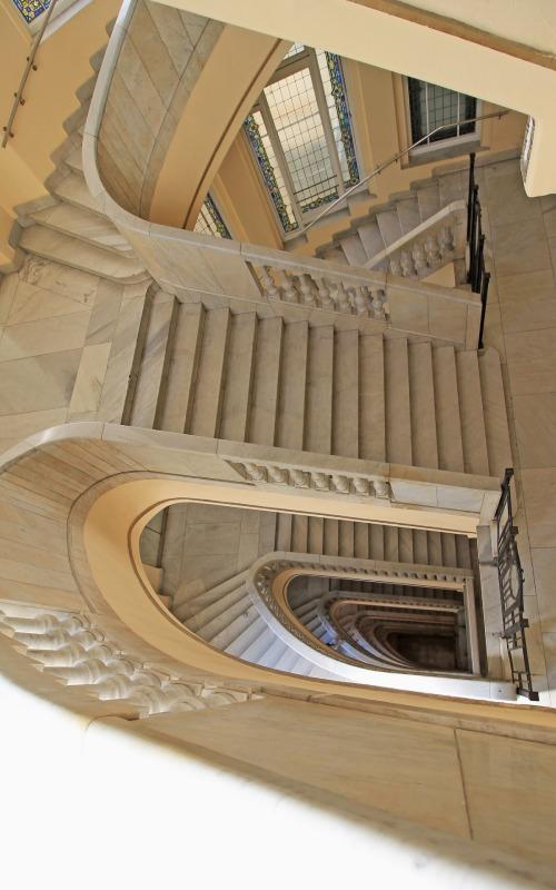 Escalier du Círculo de Bellas Artes à Madrid