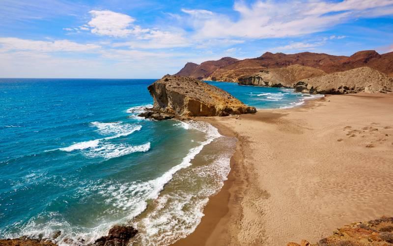 Plage El Mónsul dans le parc naturel de Cabo de Gata-Níjar