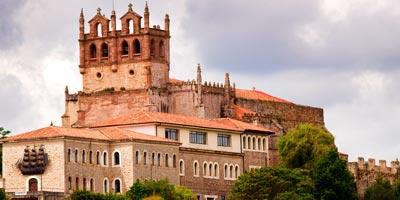 Iglesia de Santa María de los Ángeles en San Vicente de la Barquera