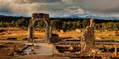 Ruinas y Arco romano de Cáparra