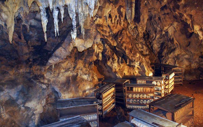 Grotte communautaire pour affiner le Gamonéu