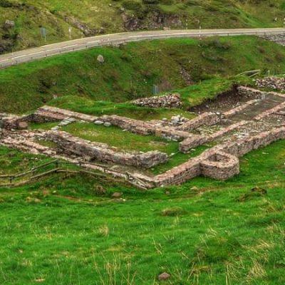 Les ruines de Santa Cristina de Somport, l'un des trois grands hôpitaux sacrés du Moyen Âge