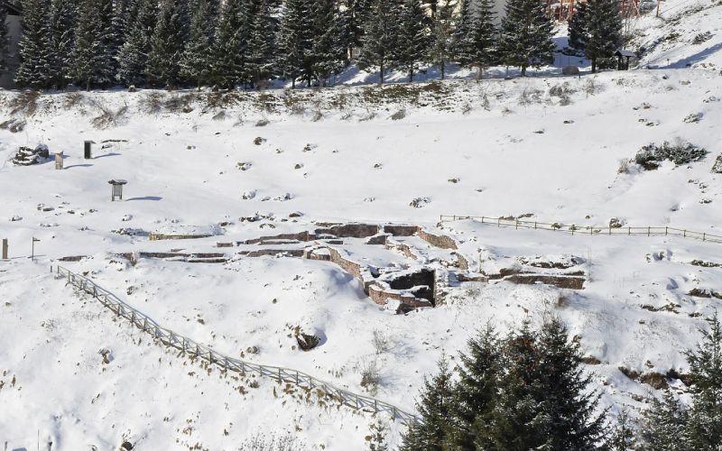 Ruines de Santa Cristina de Somport sous la neige