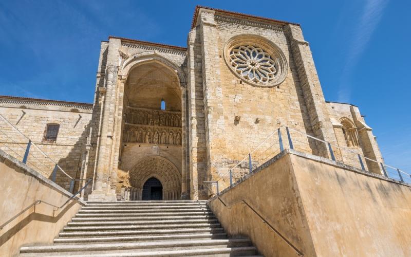 Temple-forteresse de Villalcázar de Sirga, une église de l'Ordre du Temple