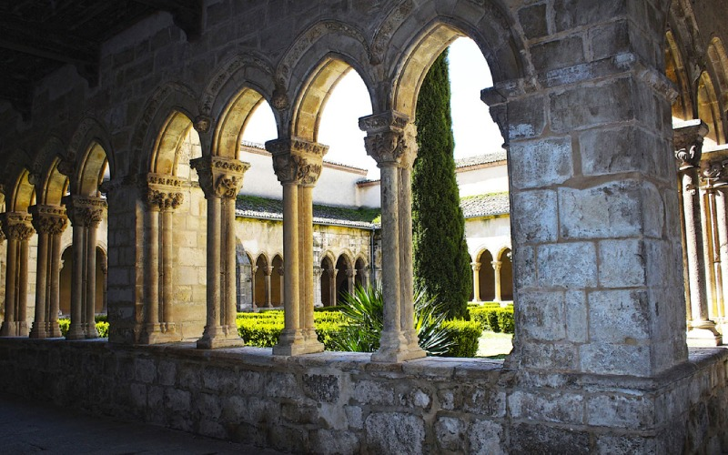 Église et monastère de Soterraña