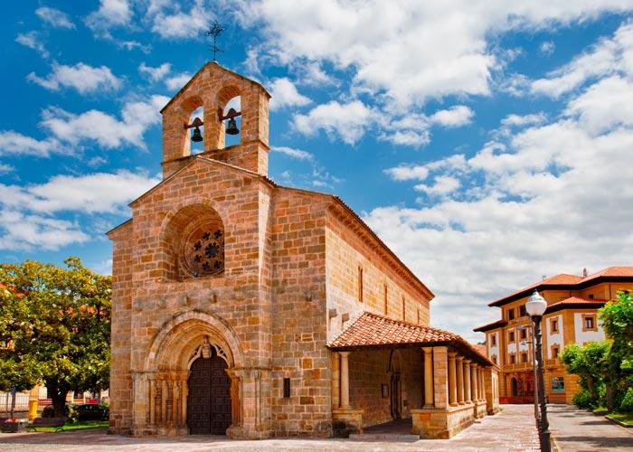 Iglesia de la Oliva en Villaviciosa