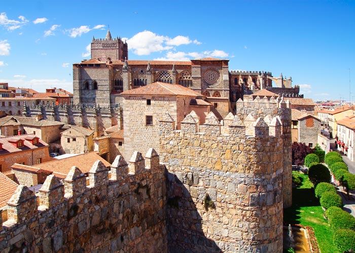 Muralla y catedral de Ávila
