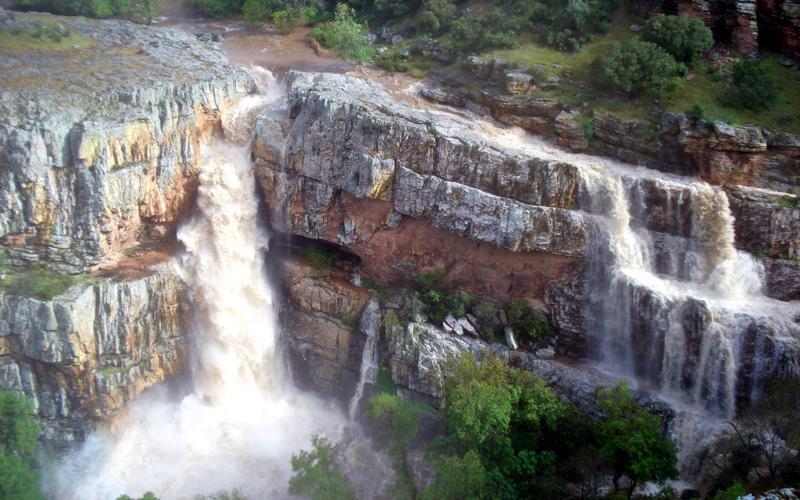 Cascade de la Cimbarra près de la localité d'Aldeaquemada