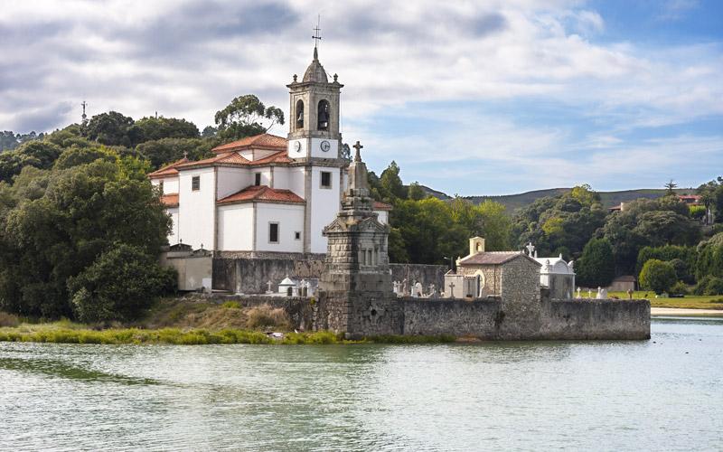 Le cimetière de Niembro, la meilleure excuse pour comprendre le charme asturien