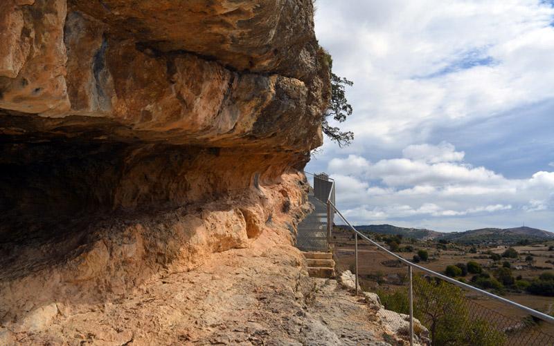 Rochers de Morella la Vella qui abritent les peintures rupestres du Levant