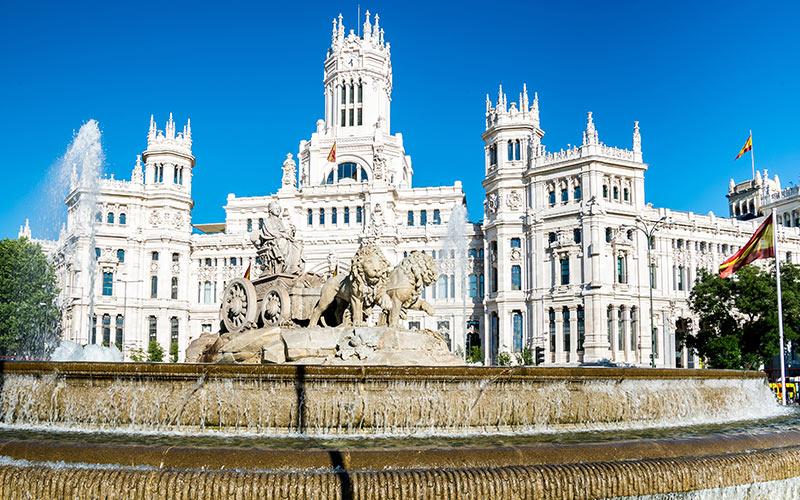 Fontaine de Cybèle et la Mairiede Madrid