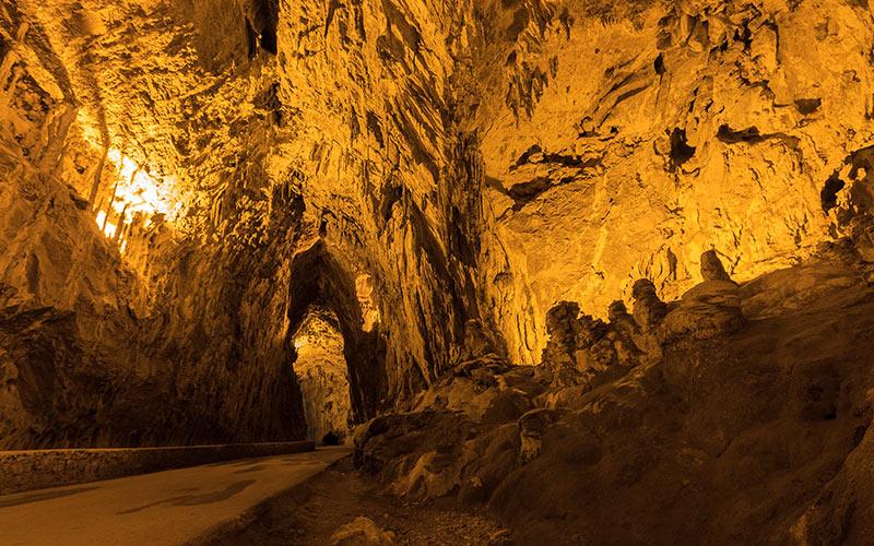 Intérieur de la grotte