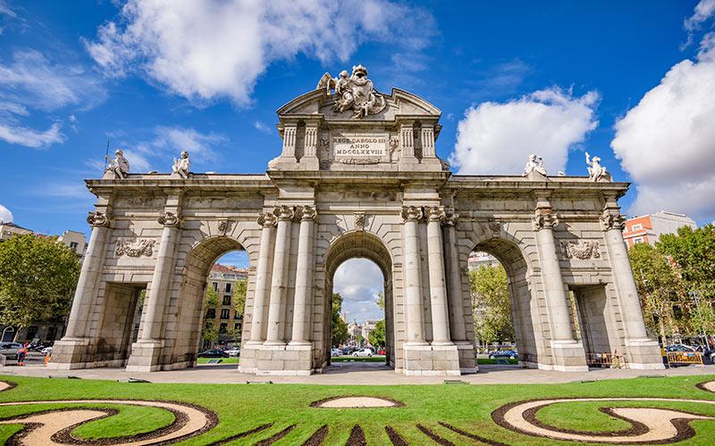 Arc de triomphe pour l'Espagne. Porte d'Alcalá