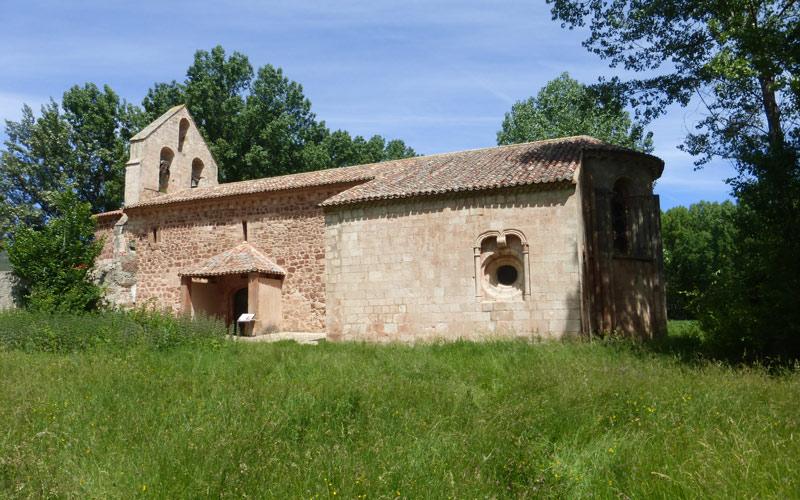 Structure de l'église de Santa Coloma d'Albendiego où l'on peut apprécier la construction en deux étapes