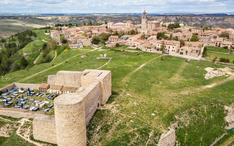 Vue aérienne de la ville historique de Medinaceli