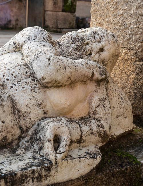 Statue romaine au théâtre de Medellín