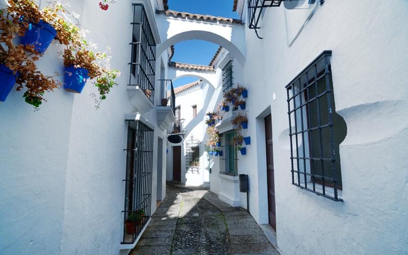 Typique rue andalouse dans la partie sud
