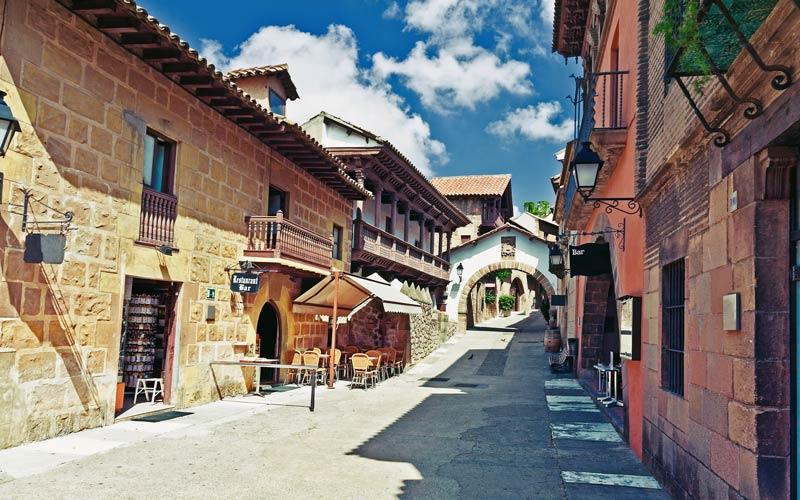 Archétypes urbains des rues dans le Village espagnol
