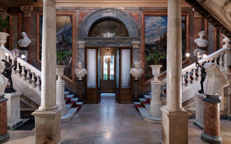 Grand Portail et Escalier d'Honneur