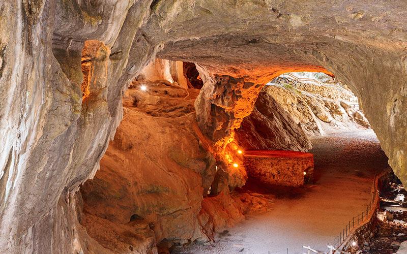 Grottes de Zugarramurdi où avaient lieu les assemblées des sorcières