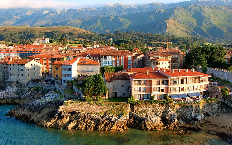 L'un des plus beaux villages des Asturies, Llanes
