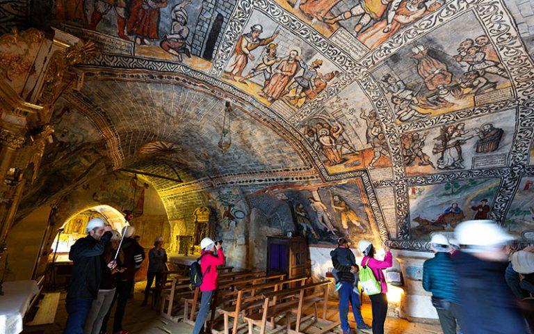 Intérieur de l'église San Bernabé