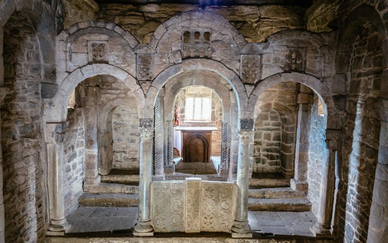 Intérieur du presbytère de l'église de Sta. Cristina de Lena