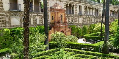 Jardins et Galerie de Los Grotescos