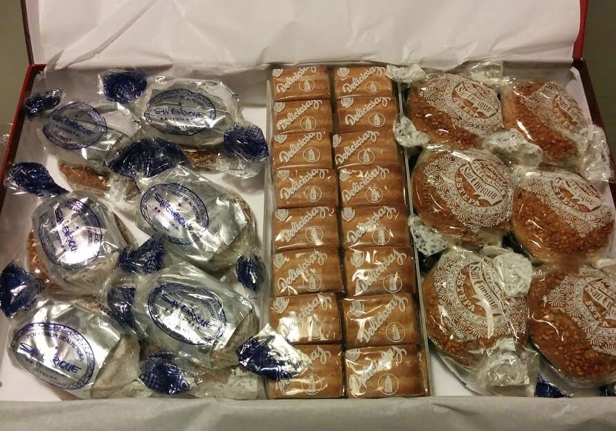 Une boîte avec des mantecados d'estepa