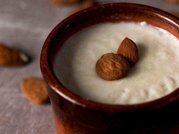 Menjar blanc, la crème anglaise traditionnelle des Terres de l'Èbre