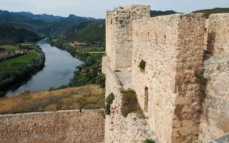 Vues du château de Miravet