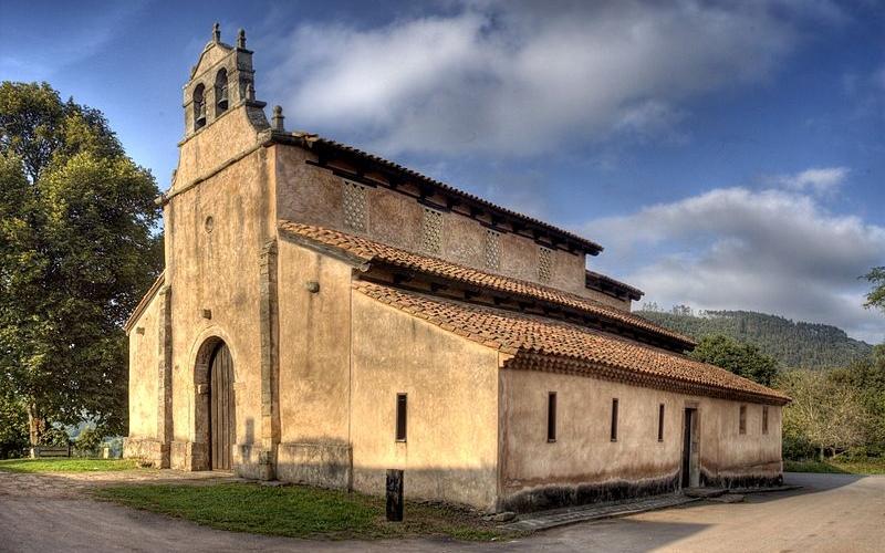 Extérieur de San Salvador de Priesca