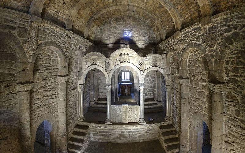 Intérieur de Santa Cristina de Lena