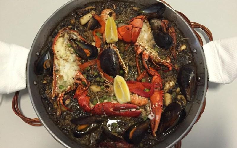 Paella aux fruits de mer à El Palanquí