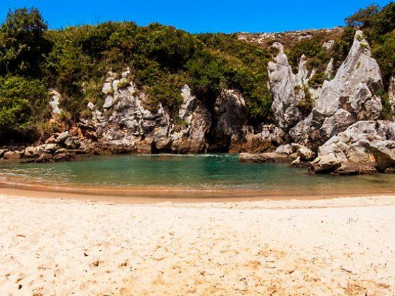 Paysage Protégé de la Côte Orientale des Asturies – Plage de Gulpiyuri