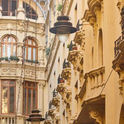 Le Pasaje de Lodares, une galerie commerçante de style italien à Albacete