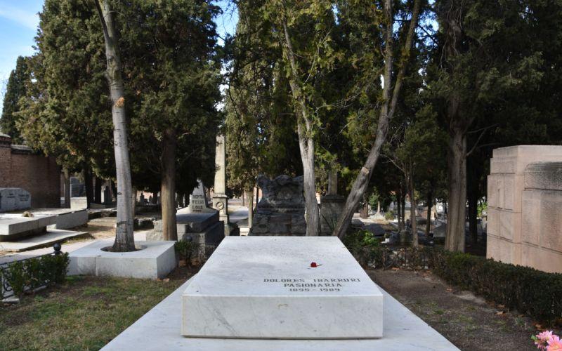 Tombe de Dolores Ibárruri, plus connue sous le nom de La Pasionaria