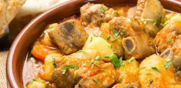 Les pommes de terre aux côtes, un plat qui donne un sens à la vie