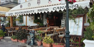 comer playa mogan taurito restaurante patio canario