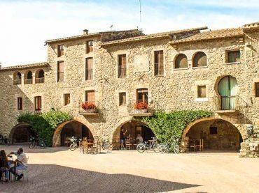 Top 5 des places de villages charmants