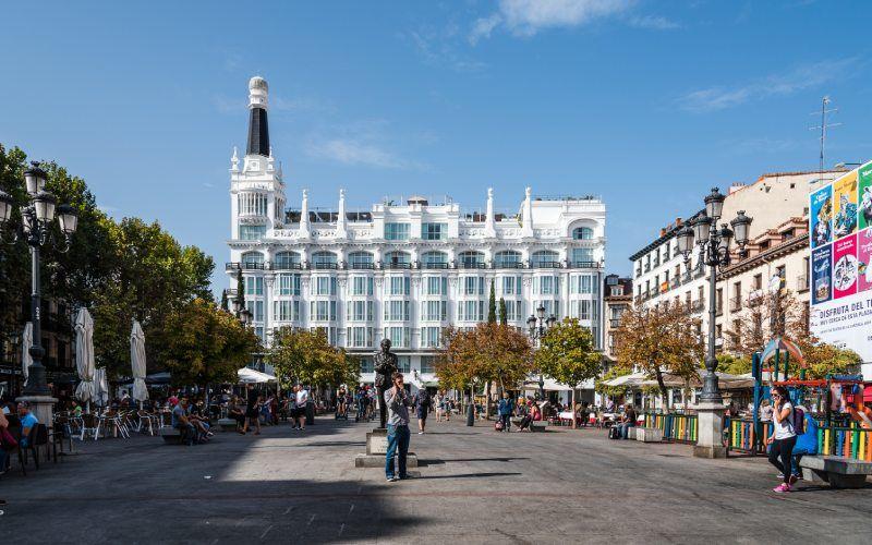 La Place de Santa Ana fait partie du Madrid de Bonaparte