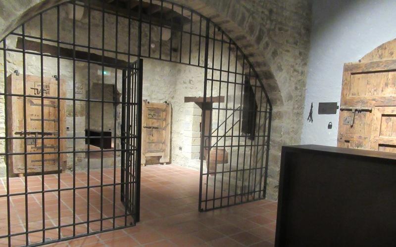 Un des cachots de la prison médiévale