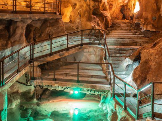 La Grotte au Trésor, la seule et unique grotte d'origine sous-marine d'Europe