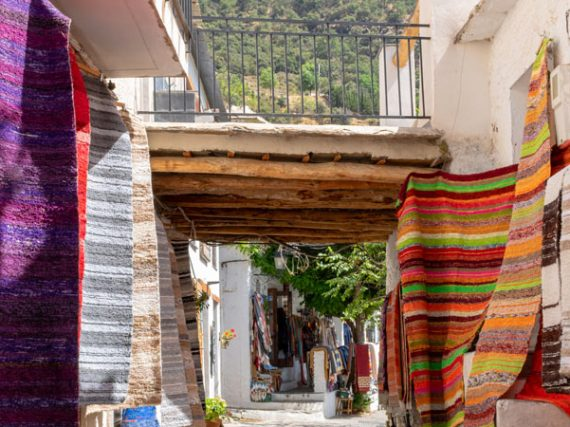 Pampaneira, un joyau tout en couleurs dans la province de Grenade