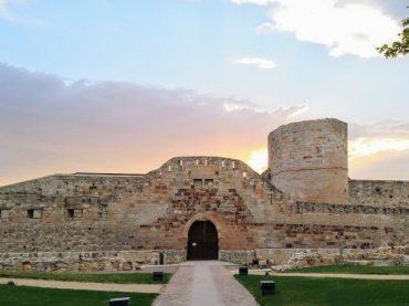 La Dame de Zamora et le siège de son château | À l'ombre d'un château 4