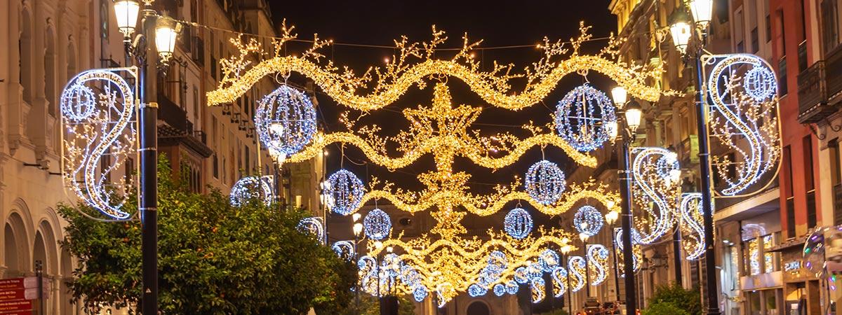 Panoramique des illuminations de Noël à Séville