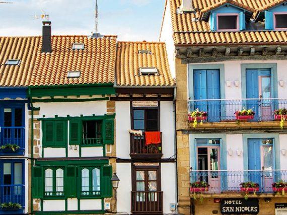 Les places les plus coloriées d'Espagne