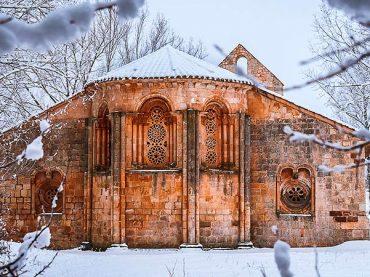 La petite église méconnue Santa Coloma d'Albendiego